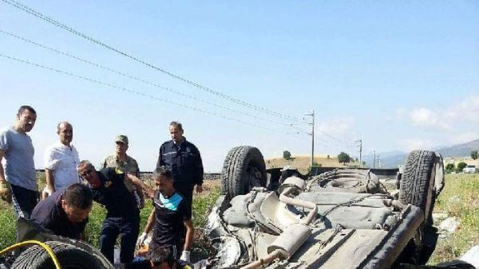 Otomobil takla attı: Sürücü öldü, eşi yaralı