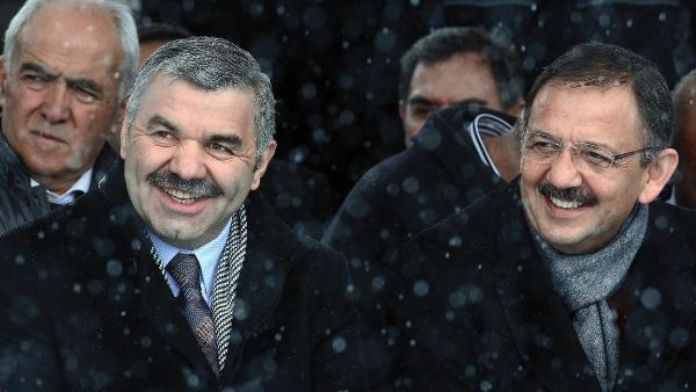 Başkan Çelik, Çevre ve Şehircilik Bakanı olan Özhaseki'yi kutladı