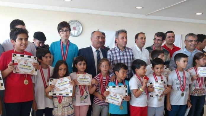 Serik Atatürk'ü Anma Satranç Turnuvası Sona Erdi