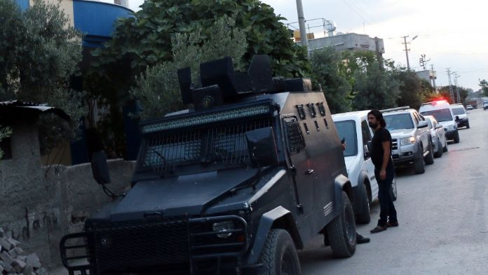 Adana'da terör operasyonu: 12 kişi tutuklandı
