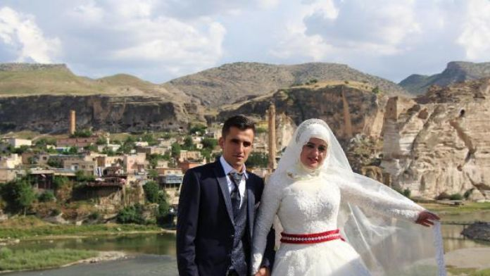 Hasankeyf, düğün fotoğraflarının doğal platosu
