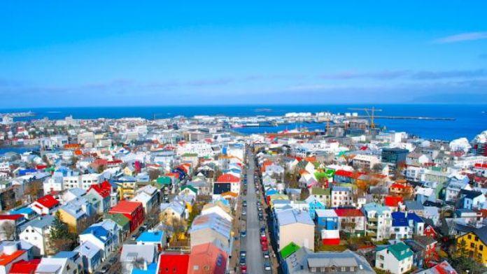 İzlanda başkanlık seçimlerinde 9 aday yarışıyor