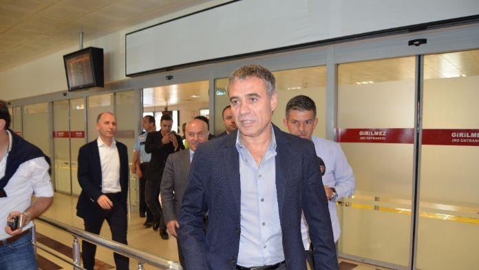 Muharrem Usta ve Ersun Yanal Trabzon'da