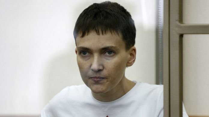 Rusya Ukraynalı kadın pilotu serbest bıraktı