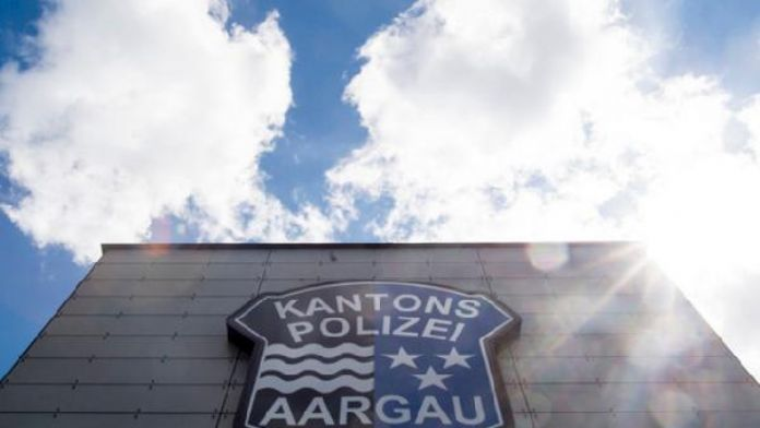 İsviçre'de 43 yaşındaki bir Türk karısını öldürmekle yargılanıyor