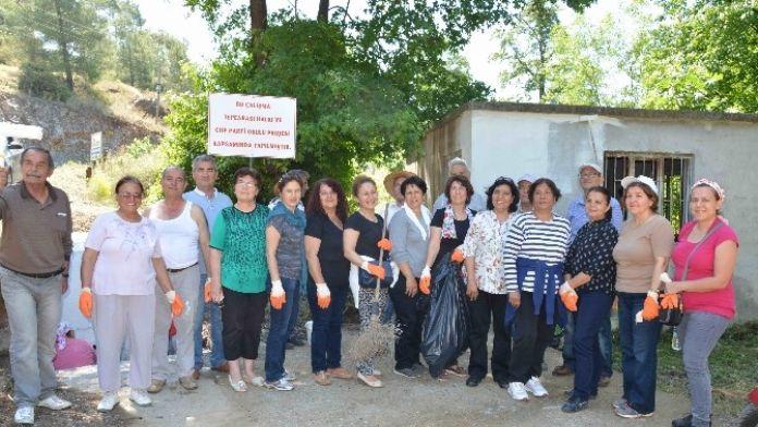 CHP'liler Ortaca'da Çevre Temizliği Yaptı