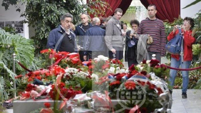 Eski Yugoslavya Lideri Mareşal Tito doğum gününde mezarı başında anıldı
