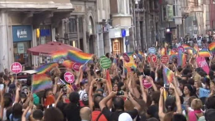 LGBT yürüyüşünde açılan o pankarta dava