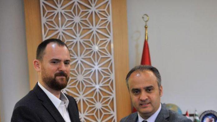 İnegölspor yönetimi yerel yöneticilerden destek istedi