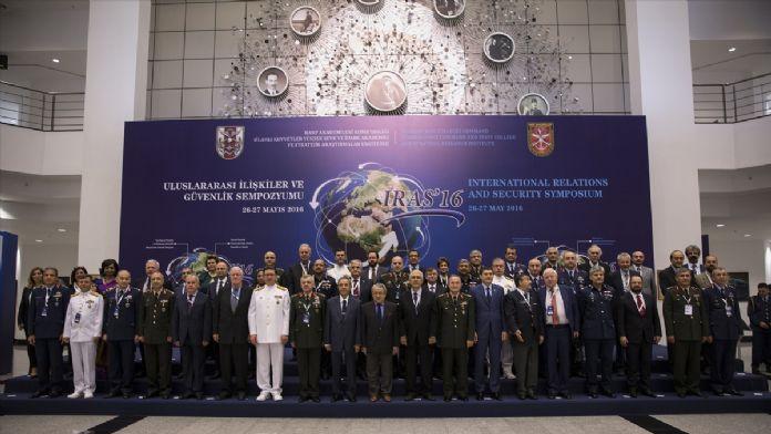 'Uluslararası İlişkiler ve Güvenlik' sempozyumu