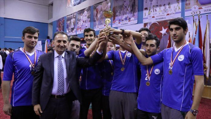İstanbul İmam Hatipler Arası Spor Oyunları Ödül Töreni