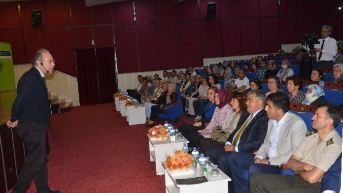 Ereğli'de 'Kanserden Korunma Ve Sağlıklı Beslenme' Konulu Konferans