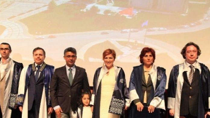 Uşak Üniversitesi Akademik Yükselme Töreni Gerçekleşti