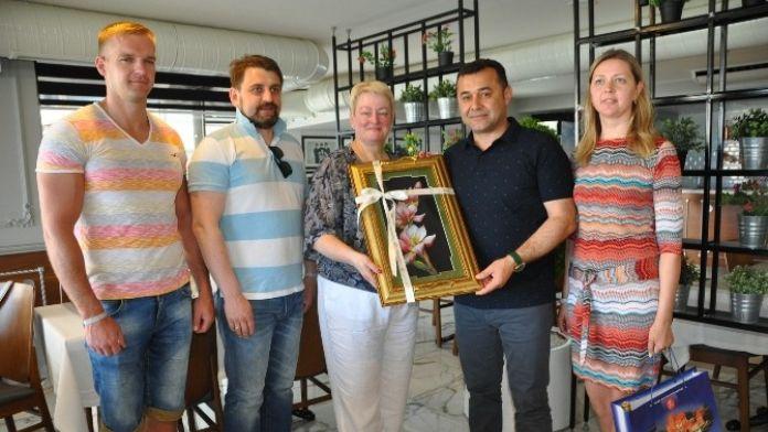 Alanya Kardeş Şehir Delegasyonları Türk Gecesinde Bir Araya Geldi