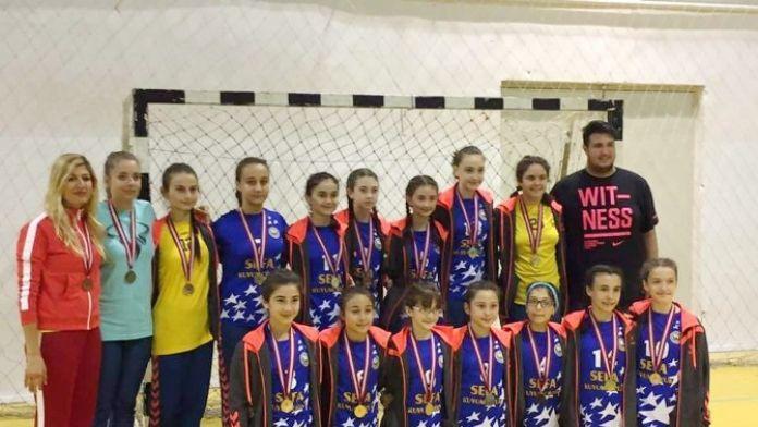 Mudanya'nın Altın Kızları Şampiyon Olarak Döndü