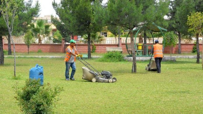 Ceylanpınar'daki Parklar Bakıma Alındı