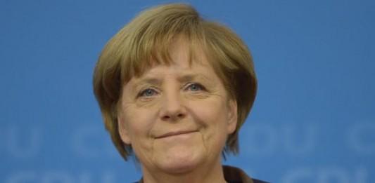 Merkel, Başbakan Yıldırım'ı aradı