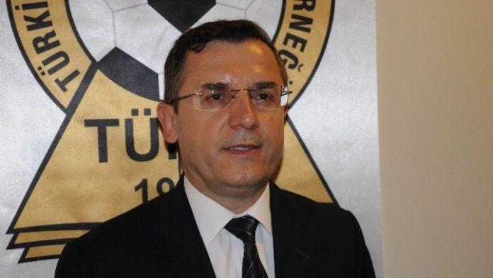 Çavuşoğlu: 'Pro Lisansı Olmayan Herkes Bu Seminere Katılmak Zorunda'