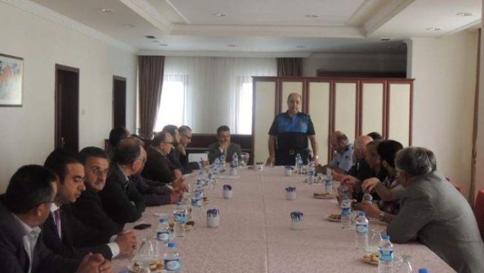 Nevşehir Polisi Muhtarlar İle Bir Araya Geldi