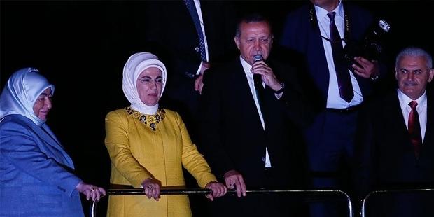 Erdoğan Başbakan İçin Yapılan Tezahuratlara: Fazla Gaz Vermeyin..