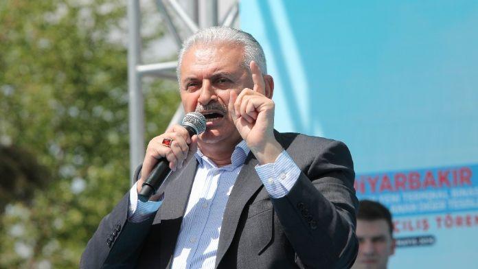 Başbakan sıfatıyla ilk kez İzmir'e geldi