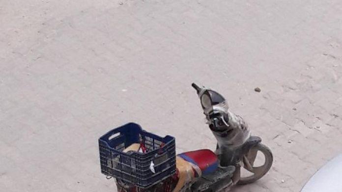 Atık karton ararken kızını çöp konteynerine bıraktı