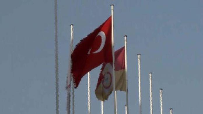 Abdi İpekçi'de Fenerbahçe bayrağı asılmadı