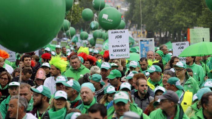 Belçika'da da halk sokaklara indi