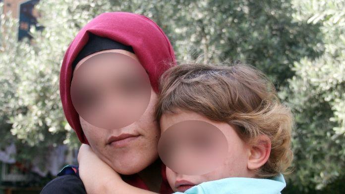 Kızını çöp kamyonuna attı, dolandırıcılıktan cezaevine girdi