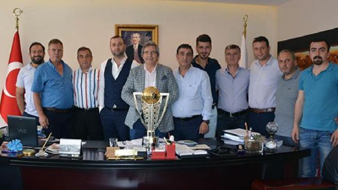 Bandırmaspor'dan Belediye Başkanı Mirza'ya ziyaret