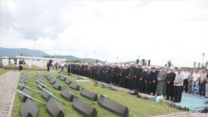 Bosna'daki savaşın 27 kurbanı daha toprağa verildi