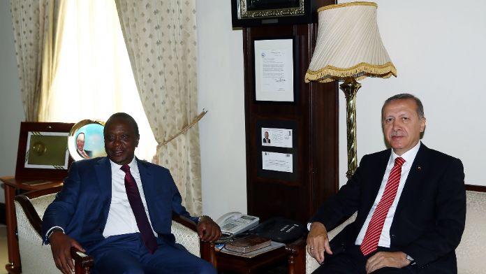 Cumhurbaşkanı Erdoğan Kenya'da mevkidaşıyla görüştü