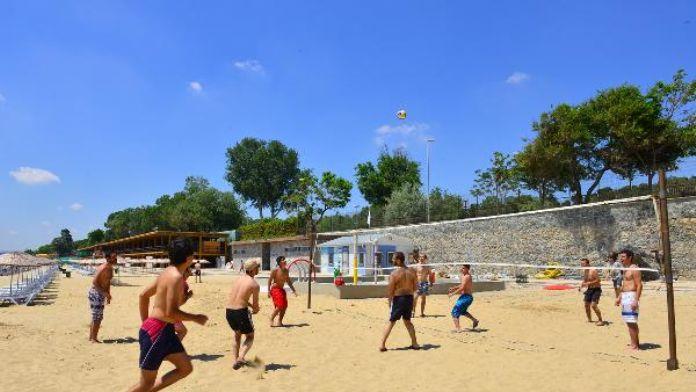 İstanbul'da plaj sezonu açıldı