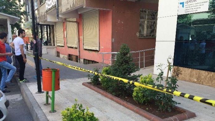 Diyarbakır'da Alacak Verecek Kavgası: 2 Yaralı