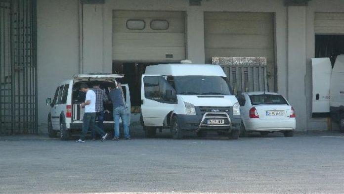 Seri katilin Hadımköy'de kiraladığı depoda 8 saat arama yapıldı