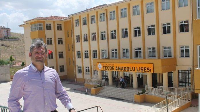 Tecde Anadolu Lisesi Kupaları Sildi Süpürdü