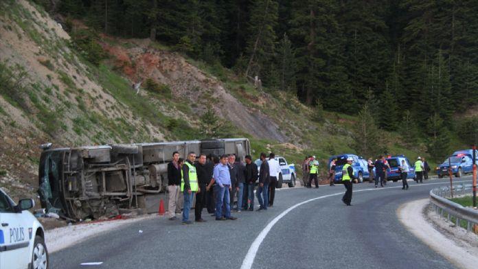 Çankırı'da tur otobüsü devrildi: 10 yaralı