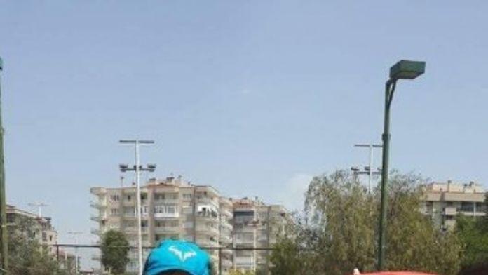 Zonguldak Tenis Deniz Spor Kulübü Oyuncusu Umur Orhan İzmir'de Birinci Oldu