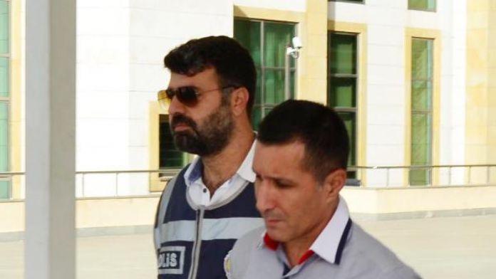 Rüşvetle mahkeme kararı değiştirmekle suçlanan katibin 24 yıla kadar hapsi istendi