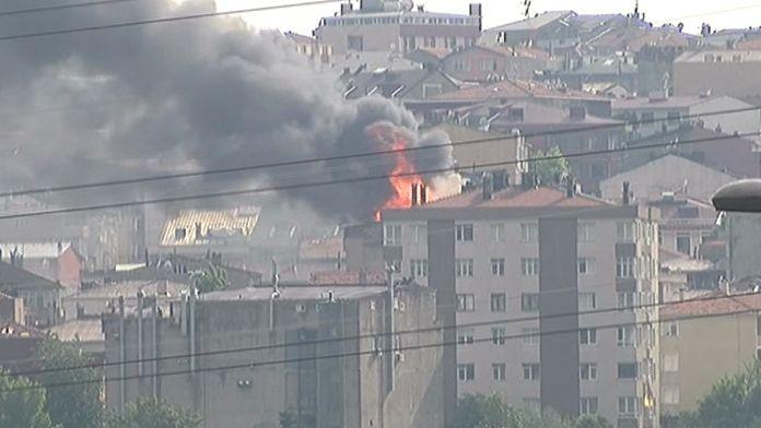 İstanbul'da dondurma imalathanesinde yangın
