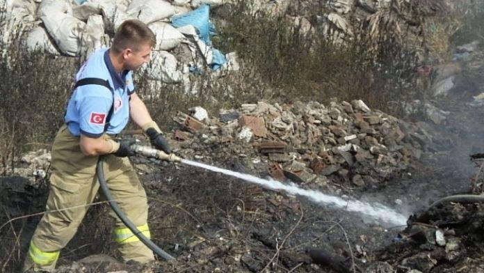 Çöplük Yangını Vatandaşın Yüreğini Ağzına Getirdi