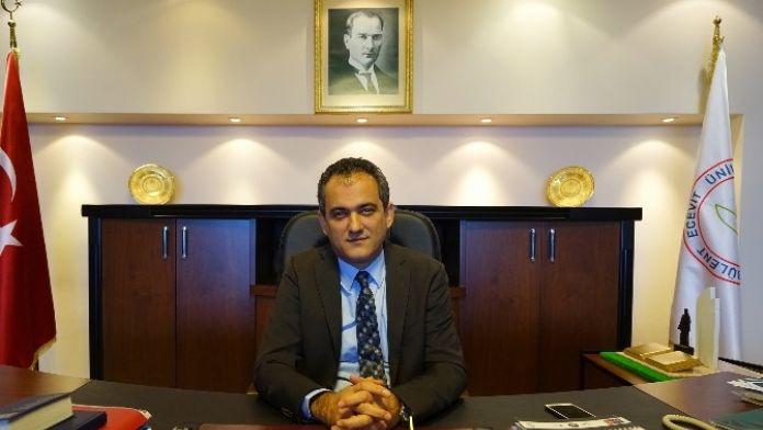 Türkiye'nin En Çevresi Üniversitesi Seçilen BEÜ'nün Rektörü Özer'den Dünya Çevre Günü Mesajı