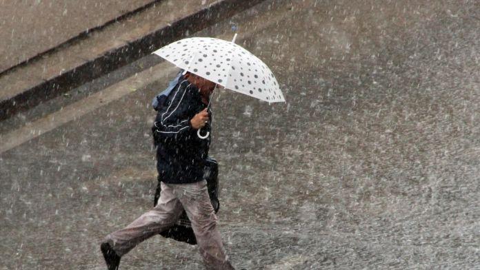 Vatandaş Ne Giyeceğini Şaşırdı,Meteoroloji Duruma Açıklık Getirdi