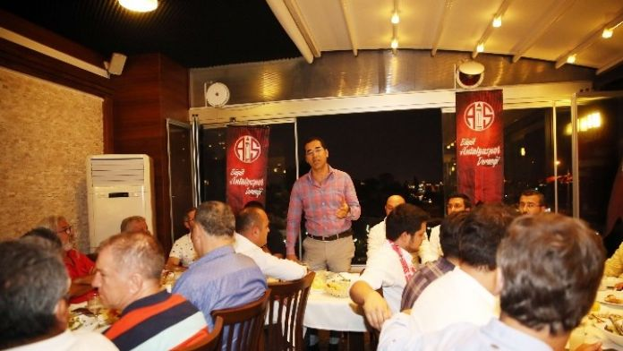 Büyük Antalyaspor Derneği'nden Birlik Beraberlik Yemeği