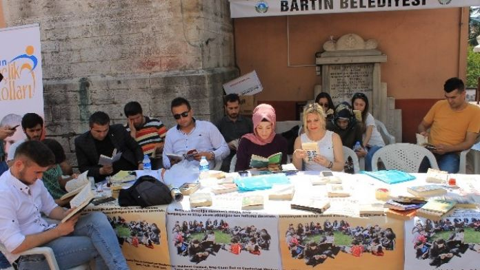 AK Parti'den Kitap Toplama Kampanyası