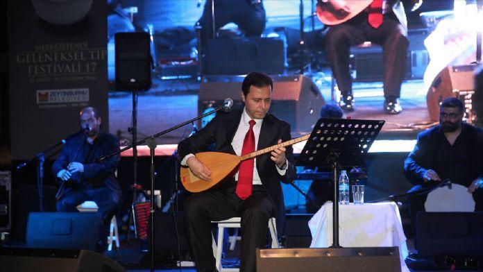 Sanatçı Hakalmaz İstanbul'da konser verdi