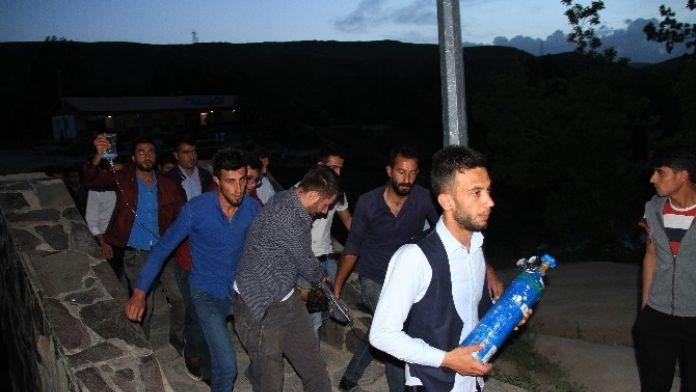 Muradiye Şelalesi'nde İki Öğrenci Boğuldu