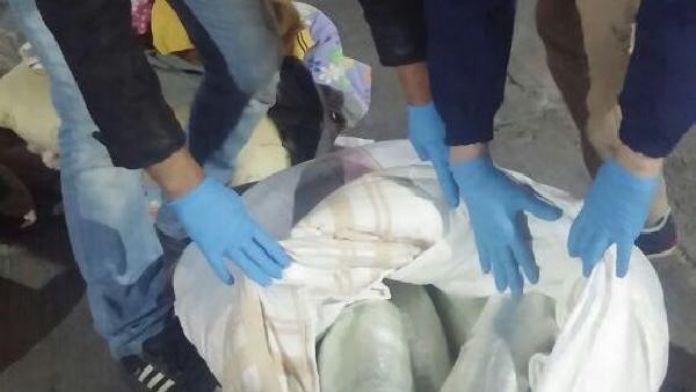 Suriyeli yolcunun bagajında 16.5 kilo kubar esrar