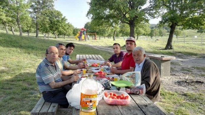 Örnek Komşulardan Ramazan Öncesi Piknik
