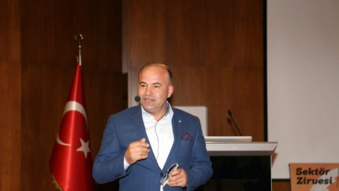 Türk İşadamı, Alman Derneğinden İstifa Etti